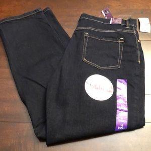 Gloria Vanderbilt jeans. Size 14 short.  New.